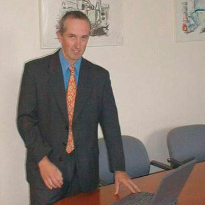 <div class=&quot;flag-at&quot;>Rudolf Pichler<span>Gerente Regional de Ventas para Norte, Centro y Sudamérica, Wittmann Battenfeld</span></div>